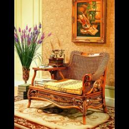 Кресло с подставкой под телефон Victoria